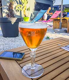 Se détendre et boire une bière à Royan