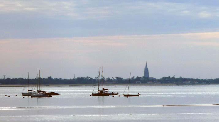 Pêcheurs dans le bassin de Marennes d'Oléron