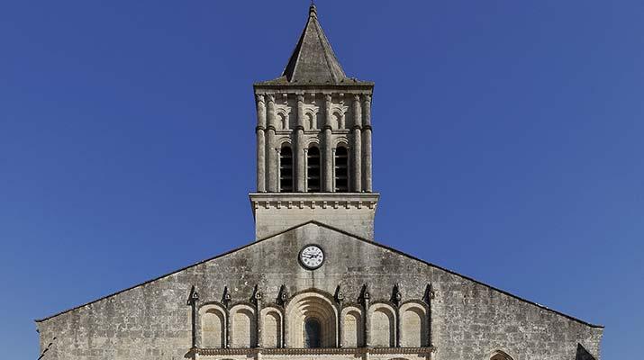 Visiter l'église de Jonzac